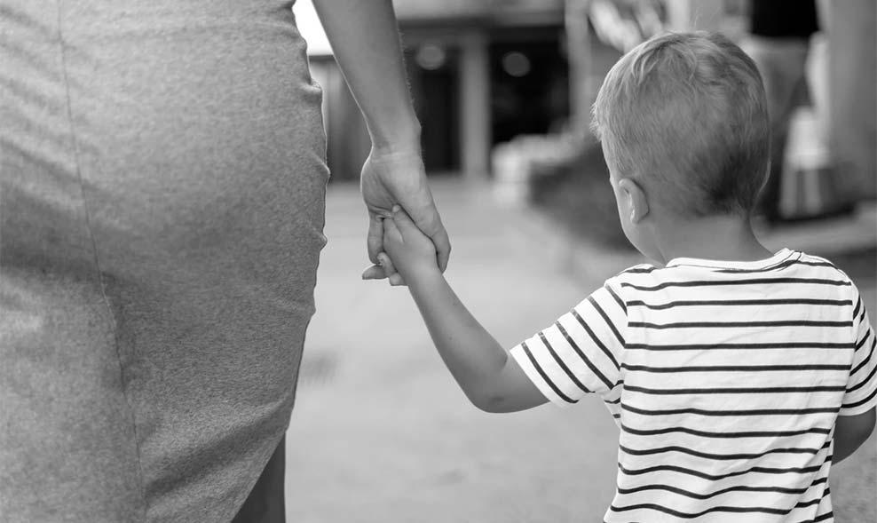 affidamento esclusivo alla madre cosa comporta